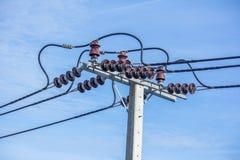 Электрический поляк с предпосылкой голубого неба стоковое фото rf