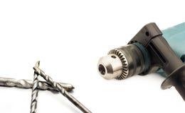 Электрический сверлильный аппарат с цыпленком и сверлами Стоковая Фотография