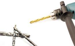Электрический сверлильный аппарат с цыпленком и сверлами Стоковое фото RF