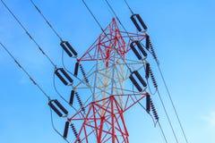 электрическое высокое напряжение тока полюса стоковая фотография rf