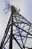 электрическое напряжение тока высокой башни Опора передачи электричества Стоковые Фото