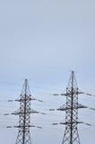 электрическое напряжение тока высокой башни Опора передачи электричества Стоковые Изображения