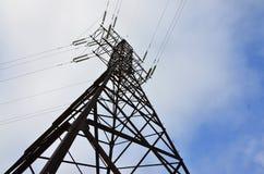 электрическое напряжение тока высокой башни Опора передачи электричества Стоковое фото RF