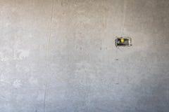 электрическое отверстие гнезда на стене concret precat, выходе электрическом w Стоковые Изображения RF