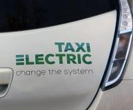 Электрическое такси в конце Амстердама вверх Стоковые Фото