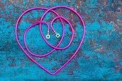 Электричество провода сердца стоковые фото