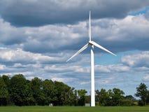 электричество производя ветер турбин стоковая фотография rf