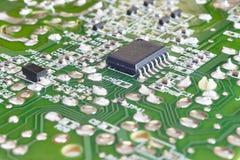 Электронное интегрированное - деталь макроса сетей Backgro технологии Стоковые Фотографии RF