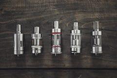 Электронные атомизаторы сигареты стоковое фото