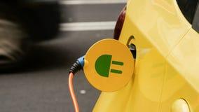 Электропитание для поручать электрического автомобиля автомобиль поручая электрическую станцию стоковое фото rf