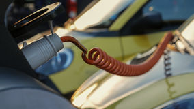 Электропитание для поручать электрического автомобиля автомобиль поручая электрическую станцию стоковое изображение