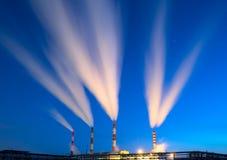 Электростанция в наступлении ночи Стоковые Изображения RF