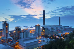 Электростанция на сумраке Стоковое фото RF