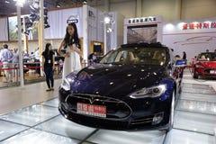 Электротранспорт Tesla чисто Стоковые Изображения