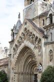 Элементы архитектуры замка и церковь эклектичного Vajdahunyad Стоковые Фото