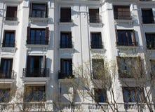 Элементы архитектуры Оформление зданий в центре Мадрида, Испании Справочная информация Стоковые Изображения RF