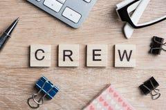 Элементы игры при письма говоря ключевые слова по буквам дела на рабочем месте Стоковое Изображение RF