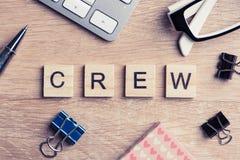 Элементы игры при письма говоря ключевые слова по буквам дела на рабочем месте Стоковое фото RF
