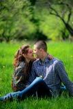 любить пар 2 любовника в природе Стоковое Изображение RF