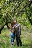 любить пар 2 любовника в природе Стоковые Изображения RF