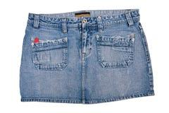 Юбка джинсовой ткани короткая изолировано Стоковая Фотография
