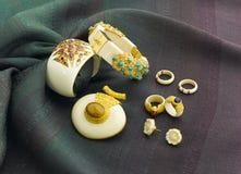 Ювелирные изделия цвета слоновой кости Стоковое Изображение RF