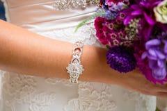 Ювелирные изделия браслета моды невесты Стоковое фото RF