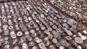 Ювелирные изделия магазина серебряные сток-видео