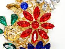 Ювелирные изделия с яркой модой роскоши фибулы кристаллов Стоковое Изображение