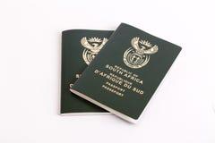 Южно-африканские пасспорты стоковые изображения rf
