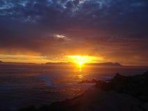 Южно-африканский заход солнца над морем Стоковое Фото