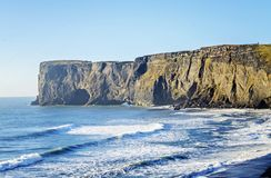 Южный берег Исландия свода Dyrholaey естественный Стоковые Фотографии RF