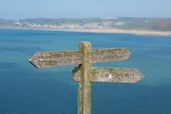 Южный знак пути западного побережья к Woolacombe Девону Англии Великобритании Стоковые Фотографии RF
