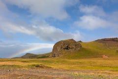 Южный исландский ландшафт с радугой Стоковые Фото