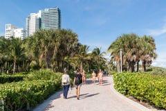 Южный променад пляжа, Miami Beach, Флорида Стоковое фото RF