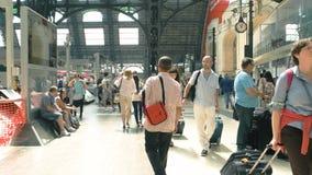 Юлить железнодорожный вокзал, день видеоматериал