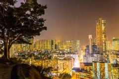 Юлить к центру города в холме сада стоковое изображение
