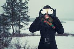 Юмористический портрет женщины с snow-balls Стоковые Фото