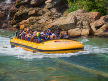 Юрская езда парка на островах студий Universal приключения Стоковые Фото