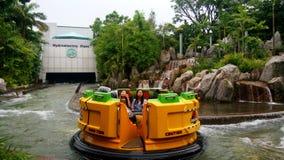 Юрская езда приключения речных порогов парка на студиях Universal Стоковая Фотография RF