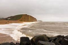 Юрские скалы на западном заливе Дорсете в Великобритании стоковые изображения rf