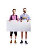 2 люд битника в традиционных баварских одеждах, съемке студии Стоковое Фото
