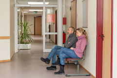 2 люд в зале ожидания Стоковое Изображение