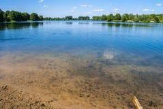 люди озера рыболовства шлюпки Стоковое фото RF