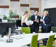 люди офиса бизнес-группы Стоковое фото RF