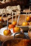 яблоки candied Стоковые Фото