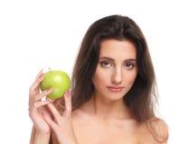 яблоко - зеленый детеныш женщины портрета удерживания Стоковые Изображения RF