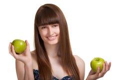 яблоко - зеленый счастливый сь детеныш женщины Стоковые Фотографии RF