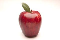 Яблоко изолировало на белизне стоковое изображение