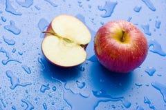 яблоко наполовину все Стоковая Фотография